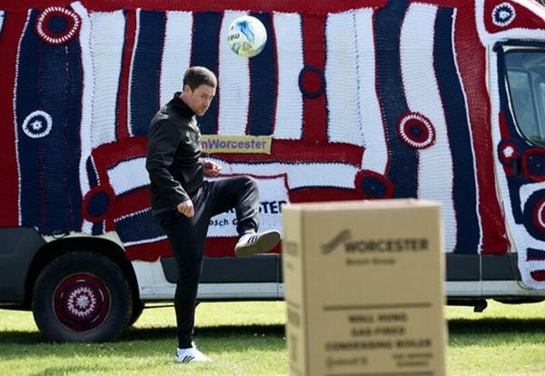England stars take on Worcester's Boiler Box Challenge