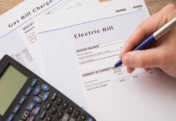 "Energy networks making £7.5bn in ""unjustified profit"" over eight year period, Citizens Advice claims"