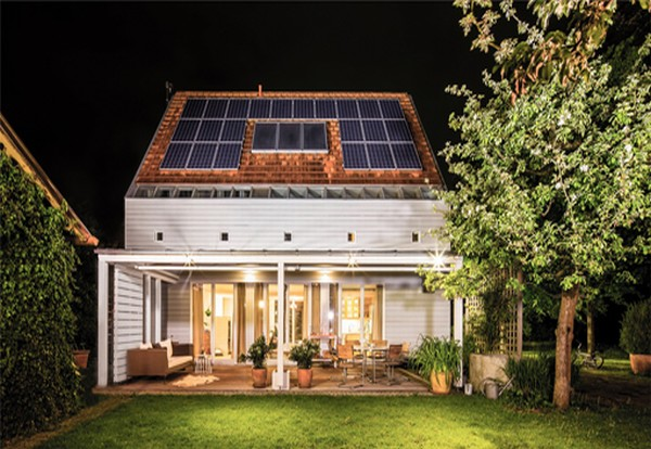 Four in ten homeowners want solar and energy storage packages