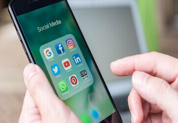 Two-thirds of the UK source tradespeople via Social Media, says survey
