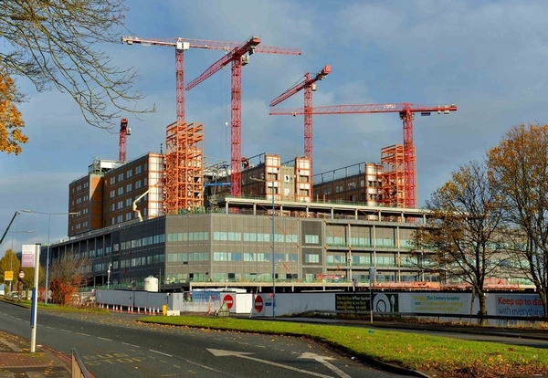 Government to fund stalled Carillion hospital