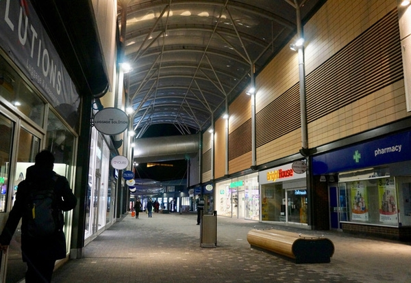 Hampshire shopping precinct sees savings with Light Efficient Design