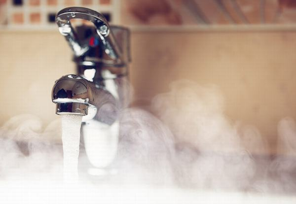 Plumbers urged to support campaign to keep people safe from hot water burns